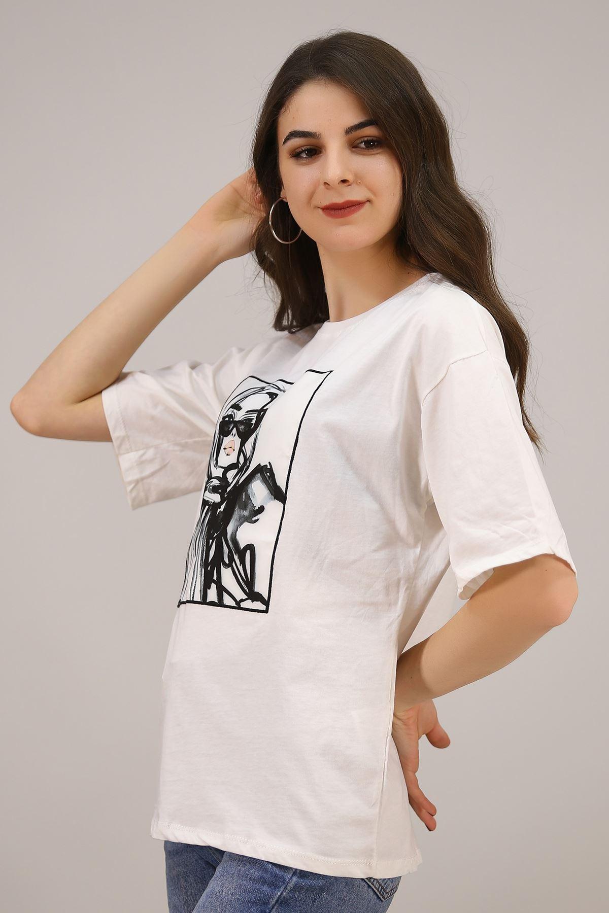 Kız Baskılı Tişört Beyaz - 3673.135.