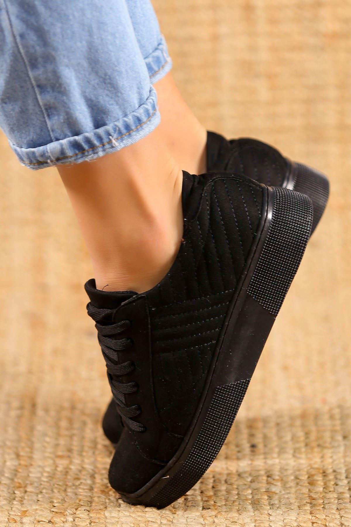 Kalın Taban Spor Ayakkabı Siyah - 5183.264.