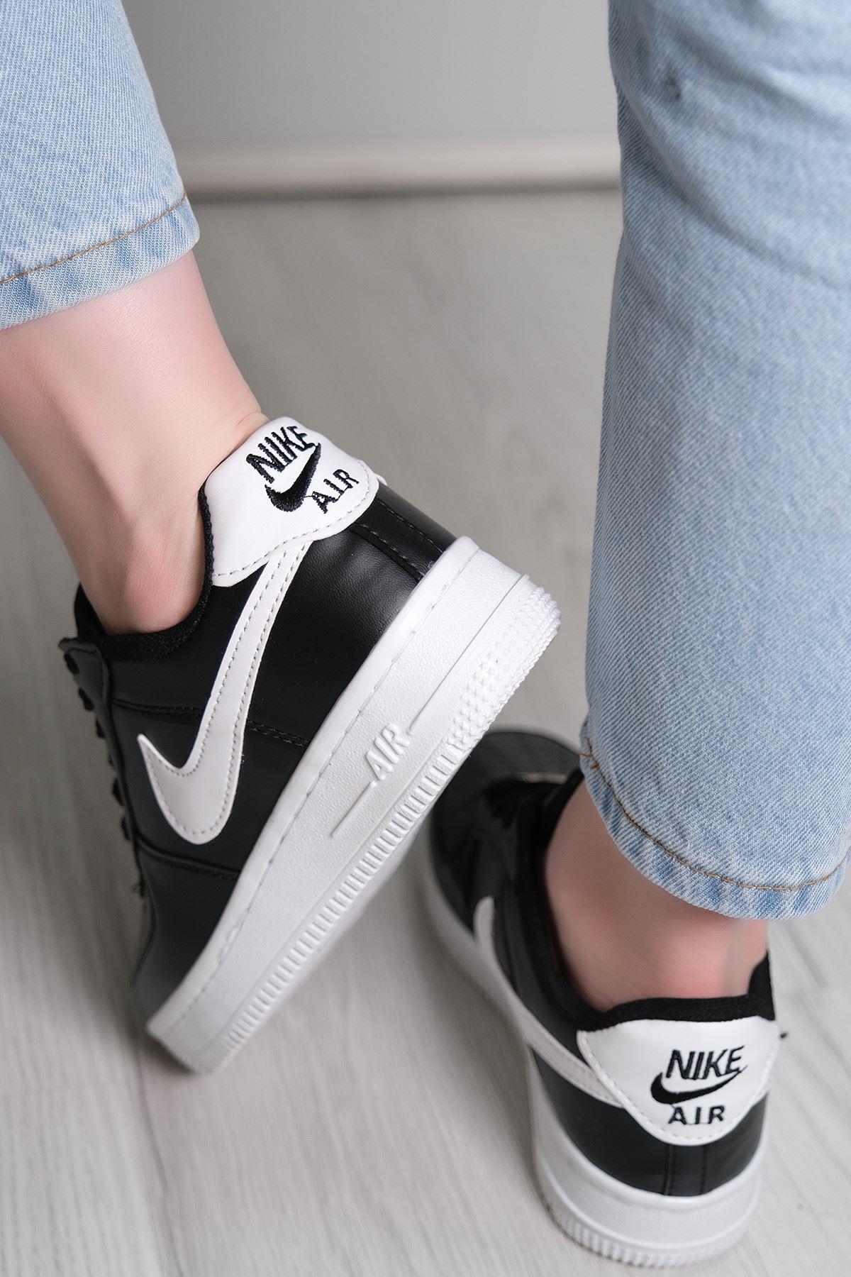 Kalın Taban Spor Ayakkabı Siyahbeyaz - 5779.1132.