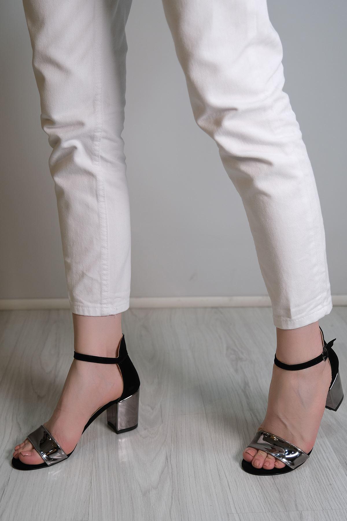 7 Cm Ayna Topuklu Ayakkabı Platin - 5857.264.